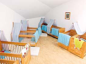 kreativit t und feingef hl der kinder f rdern. Black Bedroom Furniture Sets. Home Design Ideas